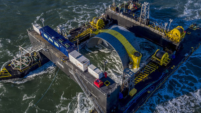 На узбережжі канадської Нової Шотландії почала роботу перша в Північній Америці приливна електростанція потужністю 4 МВт.