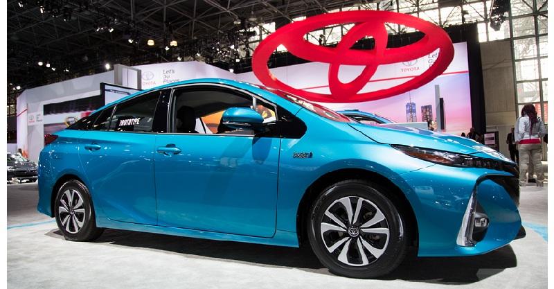 Toyota Prius Prime ����������� 1,4 ���� ������� �� 100 ��������