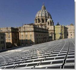 У Папи Римського тепер сонячний дах